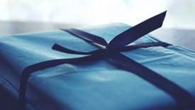 web-Gift_StockSnap_C00GSHGRM2-1